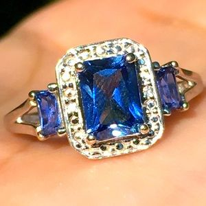 10k Solid White Gold Blue Sapphire Ring